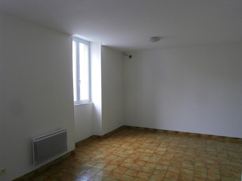 Rental apartment Cognac 508€ CC - Picture 2