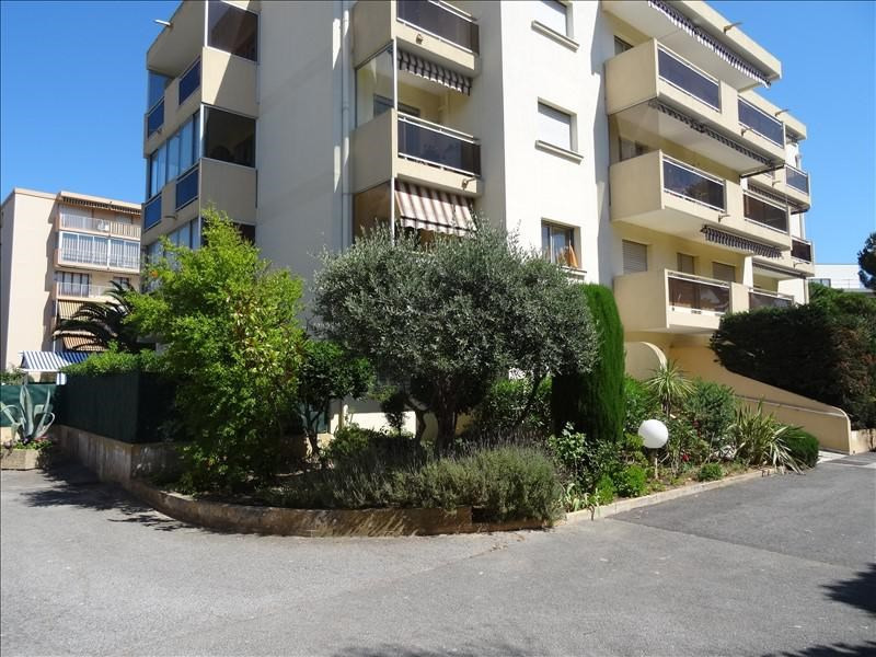 Sale apartment Frejus 303 000€ - Picture 2