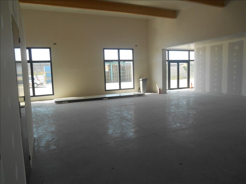 Location local commercial Carpentras 2 115€ HT/HC - Photo 3