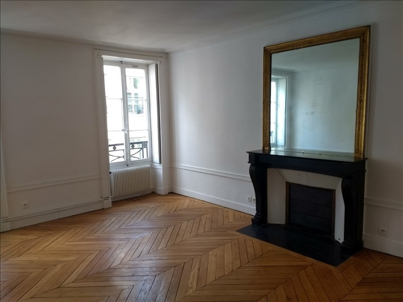 Rental apartment Paris 9ème 3 060€ CC - Picture 1