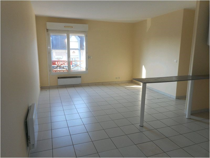 Location appartement Sainte genevieve des bois 639€ CC - Photo 1