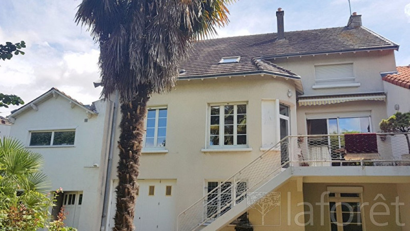 Sale house / villa Cholet 263 500€ - Picture 1