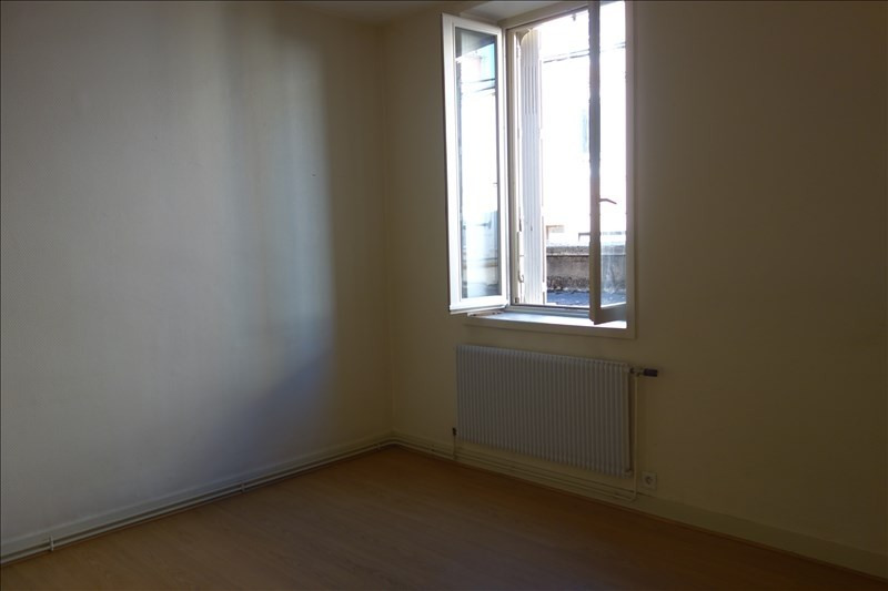 Rental apartment Roanne 262€ CC - Picture 2