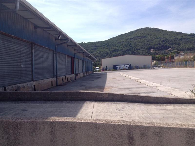 Location Local d'activités / Entrepôt Cuers 0