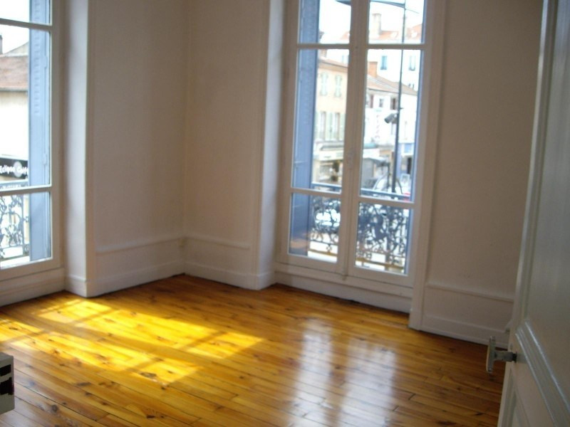 Location appartement Le coteau 450€ CC - Photo 1