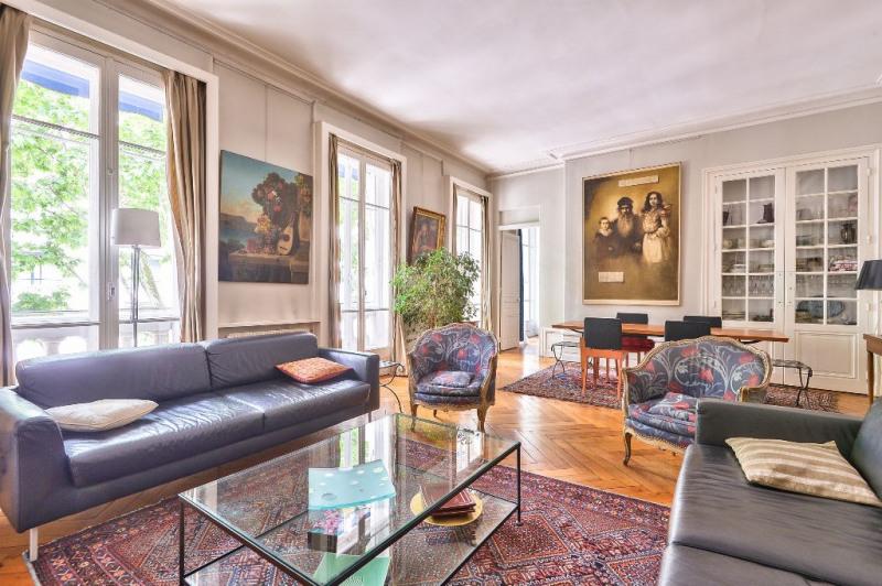Appartement de caractère dans bel immeuble XIX ème