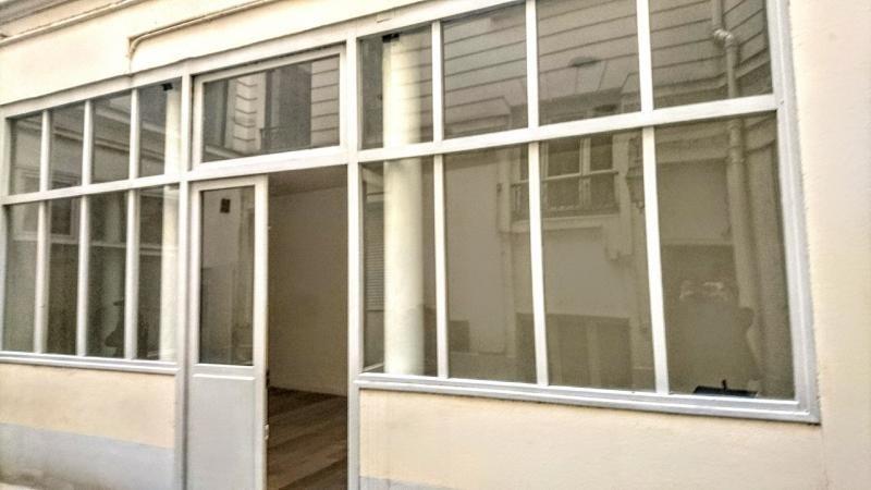 Sale empty room/storage Paris 1er 420000€ - Picture 4