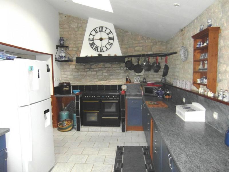 Sale house / villa Villefagnan 197950€ - Picture 3