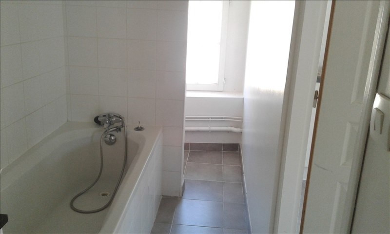 Location appartement Neuville sur saone 390€ CC - Photo 6