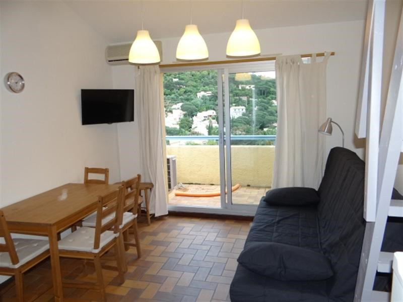Vacation rental apartment Cavalaire 420€ - Picture 2