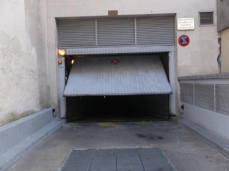 Location parking Paris 11ème 90€ CC - Photo 1