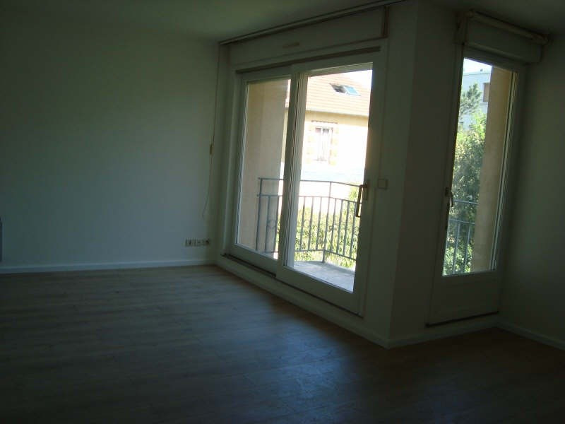 Location maison / villa Marly le roi 950€ CC - Photo 4