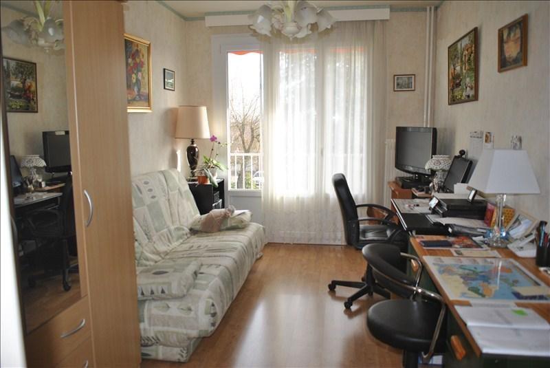 Vendita appartamento Riorges 128000€ - Fotografia 5