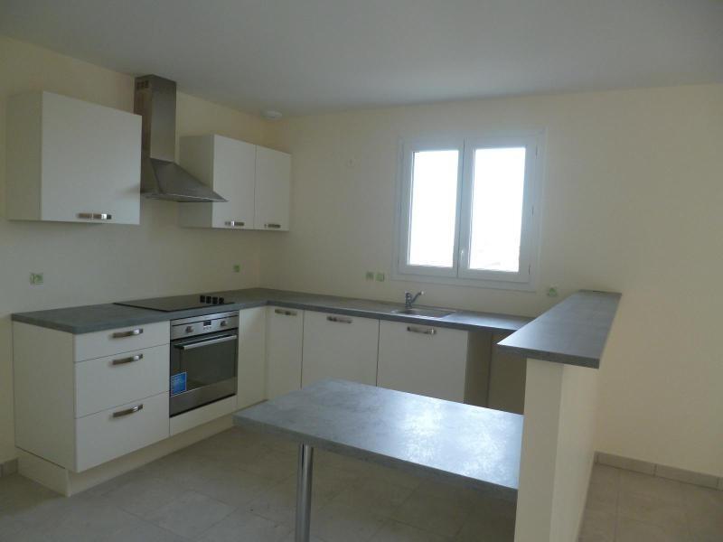 Rental house / villa St romain de popey 990€ CC - Picture 3