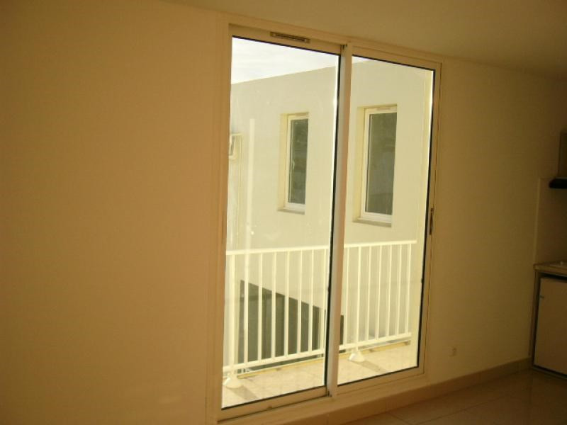 Rental apartment St denis 320€ CC - Picture 2