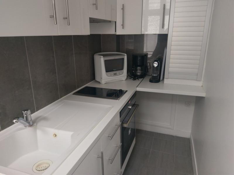 Location appartement Paris 8ème 1350€ CC - Photo 3
