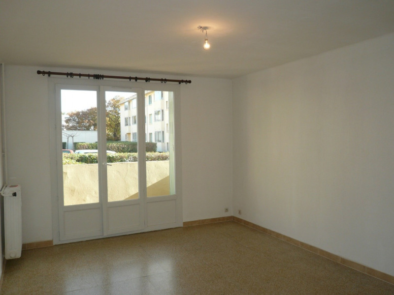 Location appartement Six fours les plages 819€ CC - Photo 3