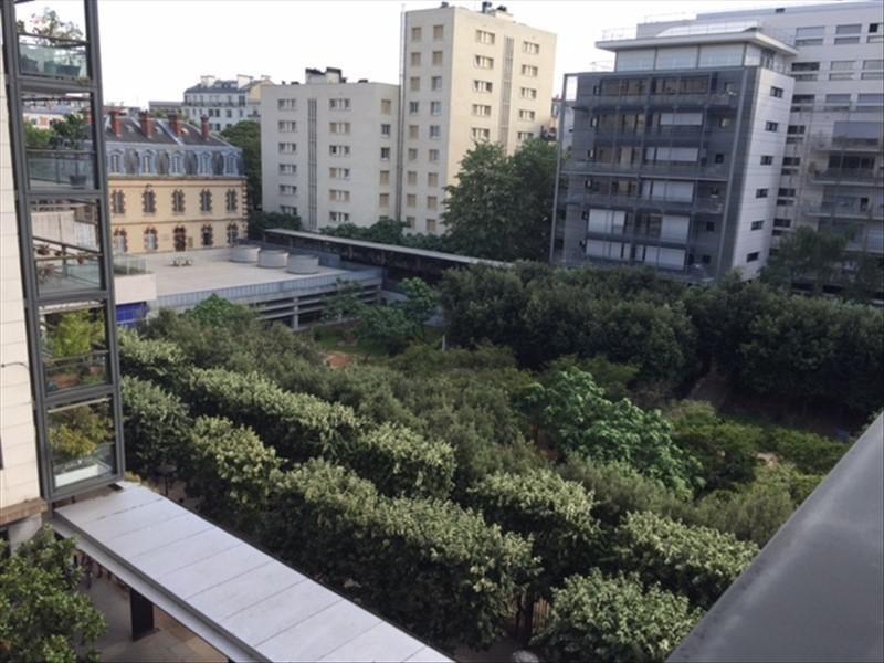 Locação apartamento Paris 15ème 933€ CC - Fotografia 1