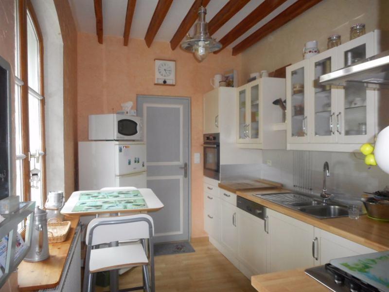 Sale house / villa La neuville sur oudeuil 290000€ - Picture 2