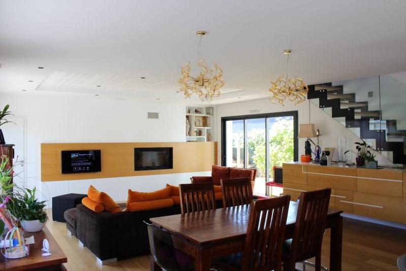 Deluxe sale house / villa Chateau d olonne 774000€ - Picture 2