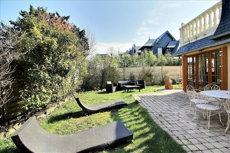 Deluxe sale house / villa Deauville 1390000€ - Picture 1