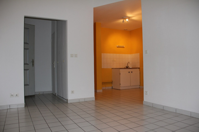 Rental apartment Châlons-en-champagne 440€ CC - Picture 1