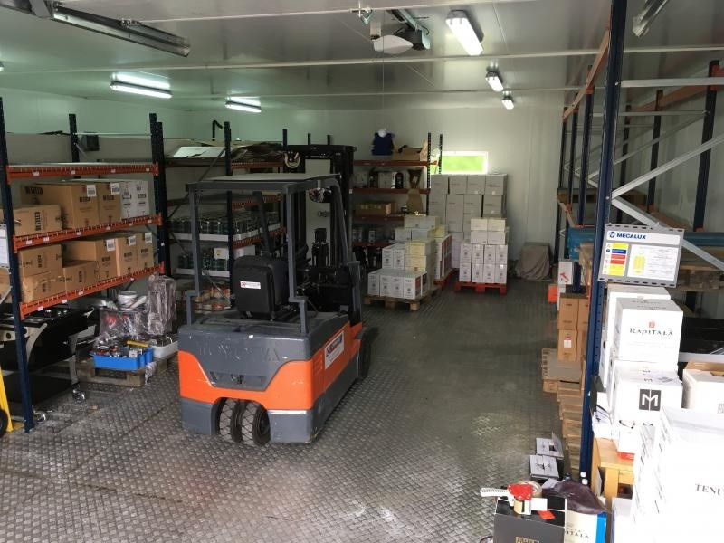 Location local commercial Cessy 1500€ +CH/ HT - Photo 3