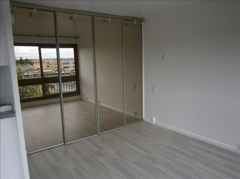 Location appartement Le chesnay 760€ CC - Photo 3