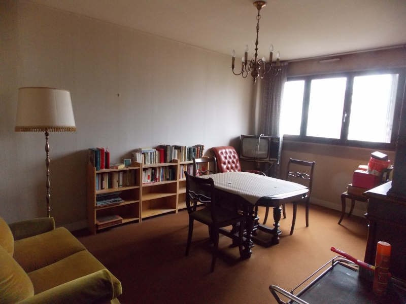 Sale apartment Puteaux 290 000€ - Picture 1