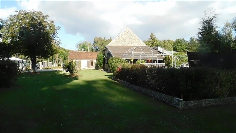 Sale house / villa Courtenay 235000€ - Picture 1