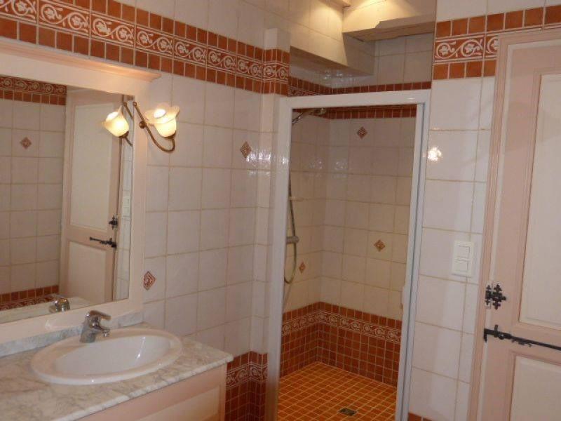 Location maison / villa Barbezieux-saint-hilaire 1015€ CC - Photo 6