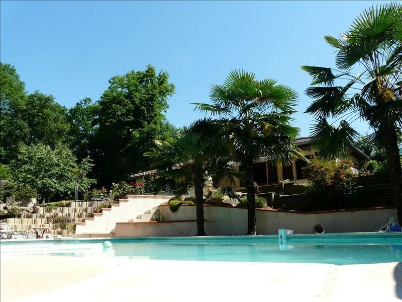 Sale house / villa Andoins 245000€ - Picture 1