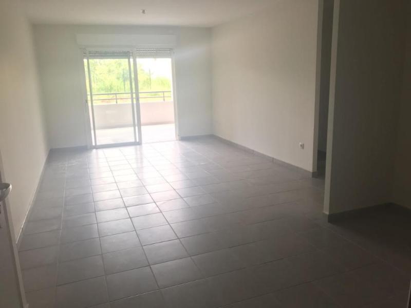 Location appartement Les trois ilets 780€ CC - Photo 2
