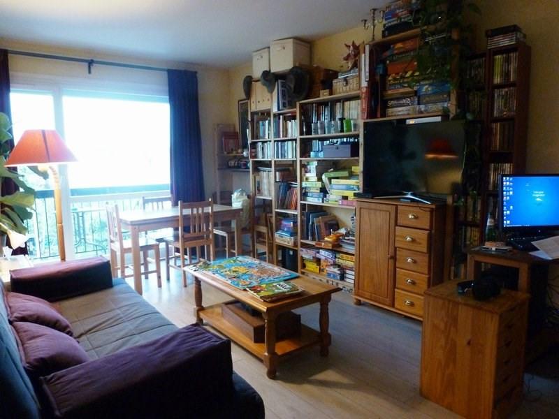 Rental apartment Maurepas 783€ CC - Picture 1