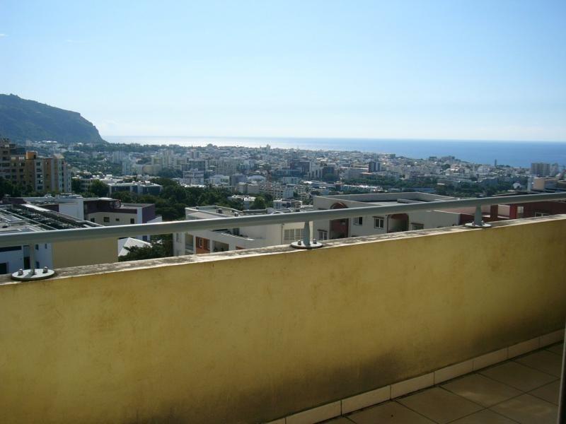 Rental apartment St denis 323€ CC - Picture 3