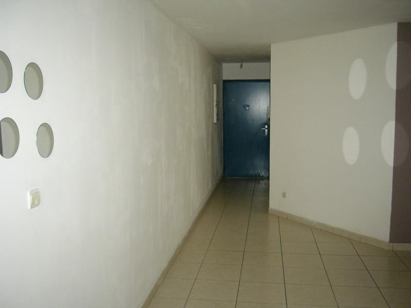 Rental apartment St denis 672€ CC - Picture 7