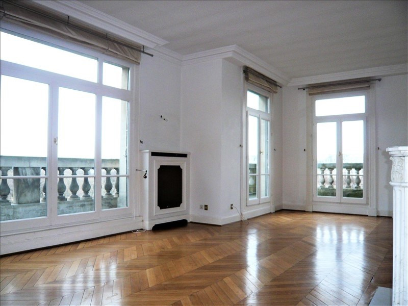 Location appartement Paris 7ème 8 582€ CC - Photo 2
