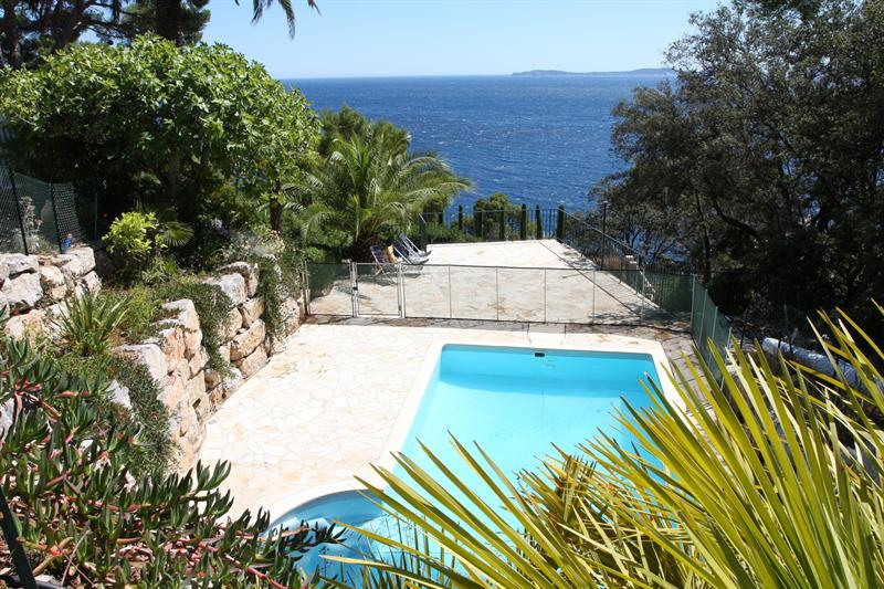 Vacation rental house / villa Cavalaire sur mer 1 500€ - Picture 9