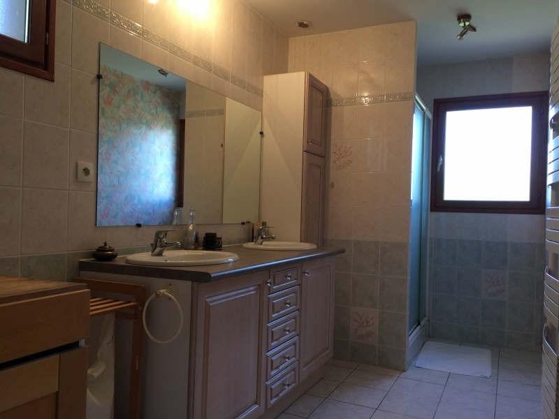 Sale house / villa Cour et buis 320000€ - Picture 10