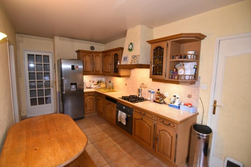 Sale house / villa Bernes sur oise 294000€ - Picture 2