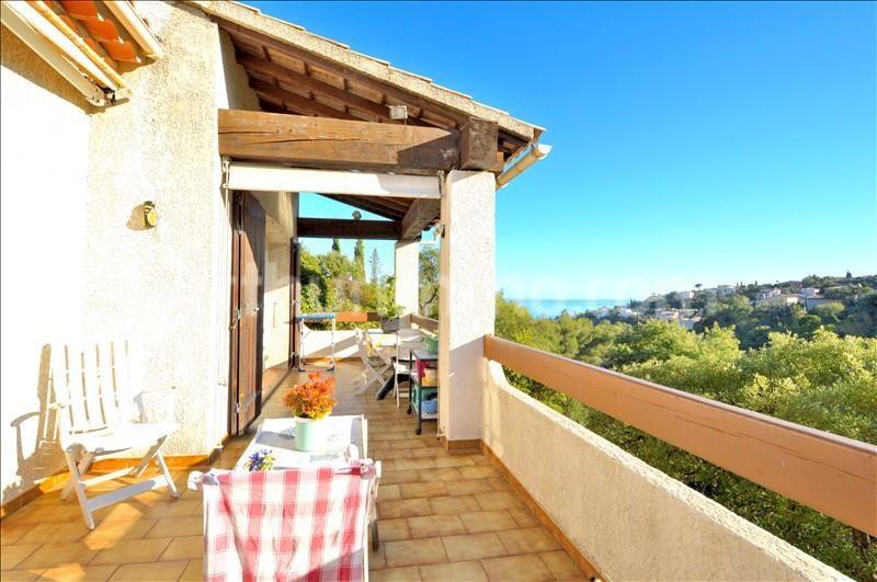 Deluxe sale house / villa Les issambres 629000€ - Picture 2