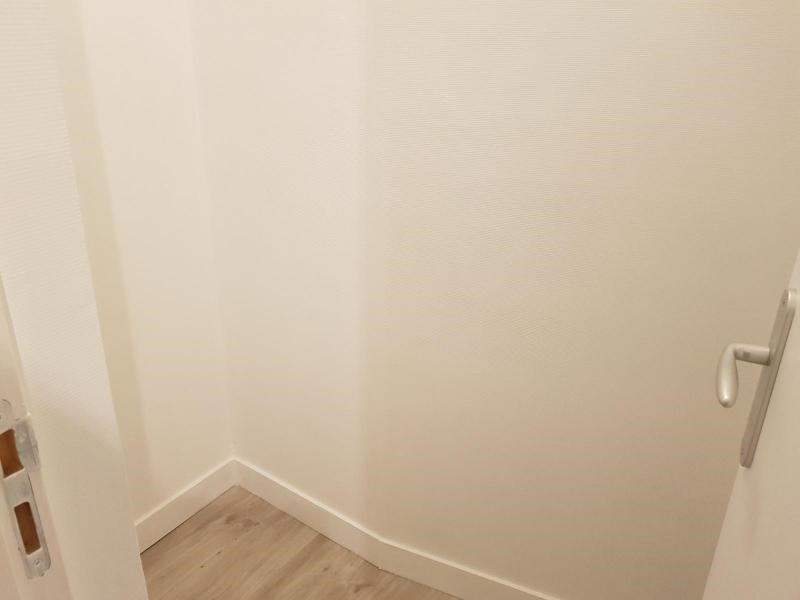 Location appartement Paris 9ème 950€ CC - Photo 4
