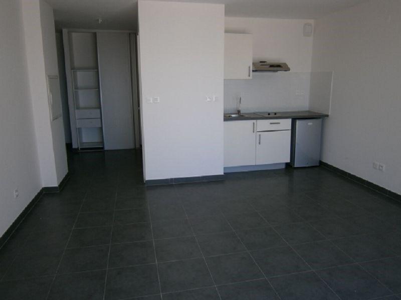 Location appartement St denis 430€ CC - Photo 5