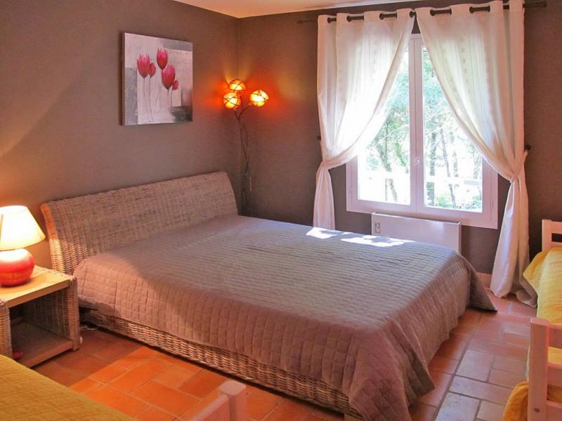 Vente maison / villa Bagnols-en-forêt 590000€ - Photo 11