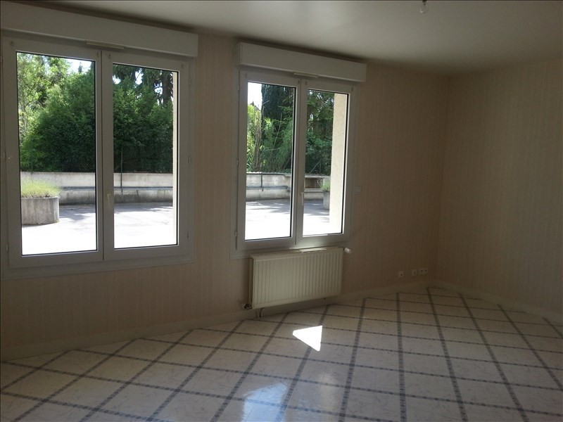 Rental apartment Vendome 570€ CC - Picture 2