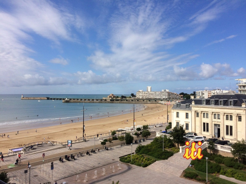 Sale apartment Les sables d olonne 225 000€ - Picture 1