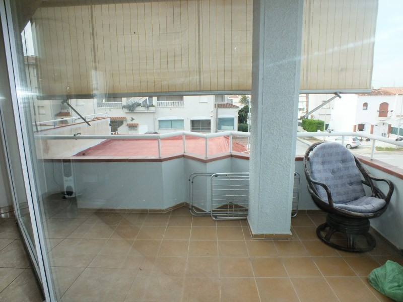 Sale apartment Empuriabrava 215 000€ - Picture 1
