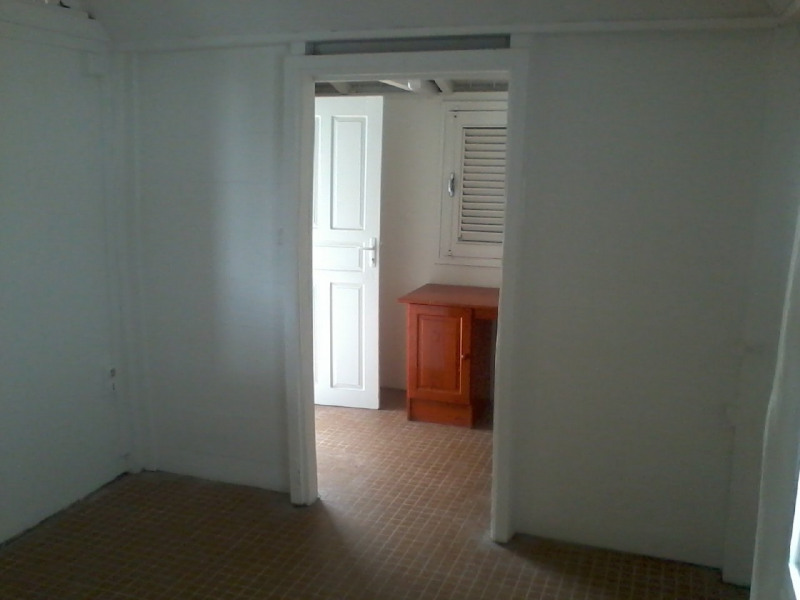 Location maison / villa Vieux fort 724€ CC - Photo 5