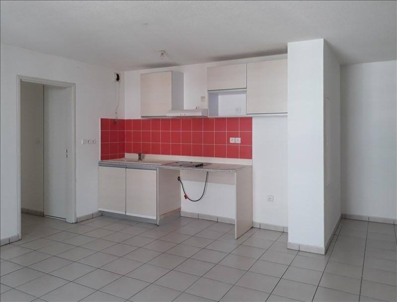 Rental apartment Ste clotilde 600€ CC - Picture 2