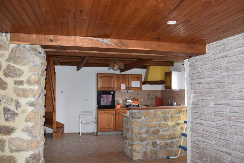 Sale house / villa Desaignes 77500€ - Picture 3